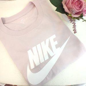 Nike Women's Pink T-shirt Size L